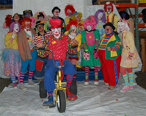 How to Be a Clown (with Pictures) - wikiHow